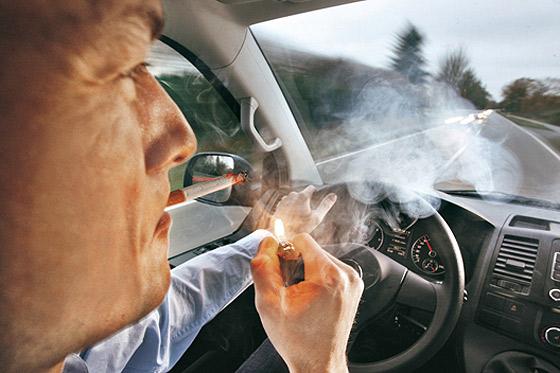 fumar-coche